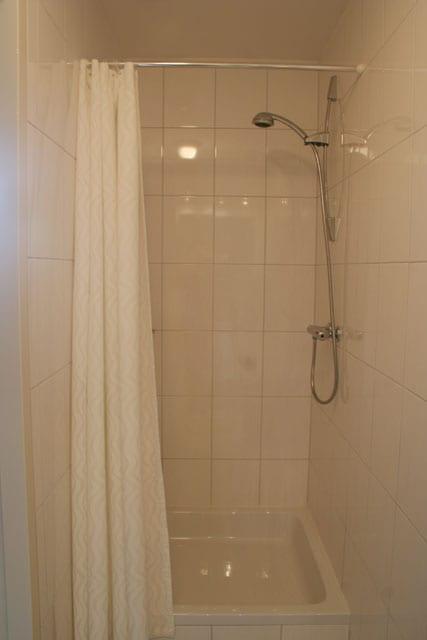 De douches van de vakantie appartementen in limburg